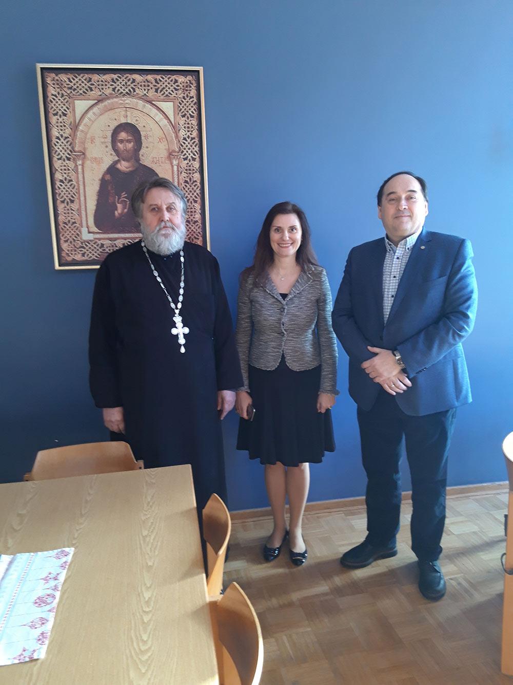 Амбасадорка Србије посетила храм Васкрења Христова